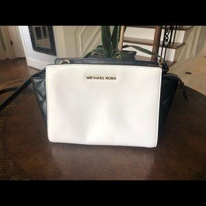 Michael Kors Medium Selma cross body bag